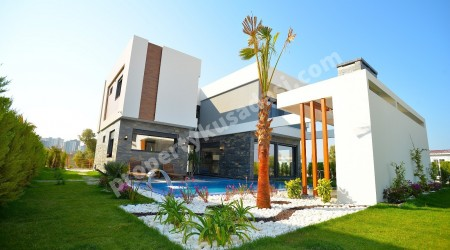 Detached Villas with Private Pool in Kusadasi For Sale